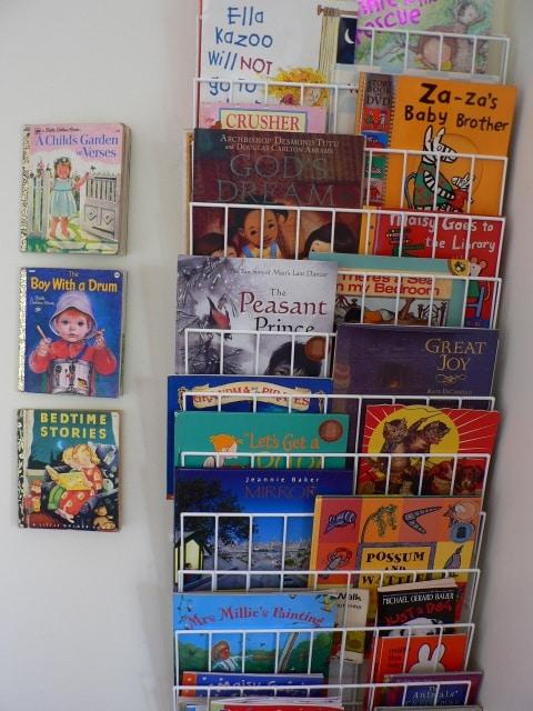 Forward Facing Bookshelves - Children's Books Daily...