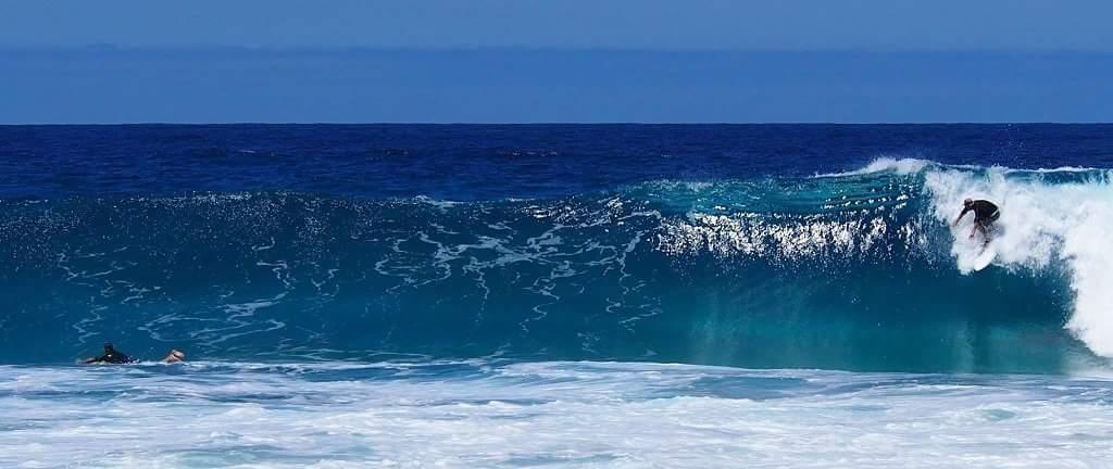 Jem Surfing